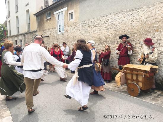 プロヴァン中世祭りのダンス