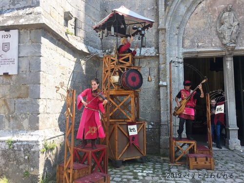 プロヴァン中世祭りの演奏ショー