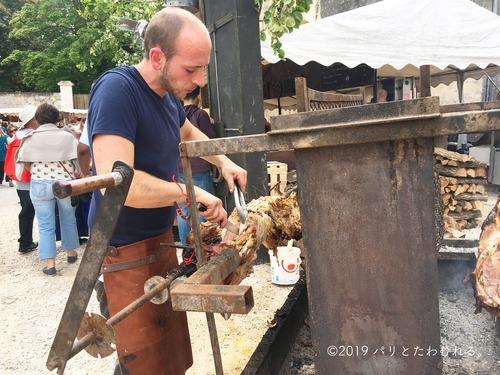 プロヴァン中世祭りの豚の丸焼き