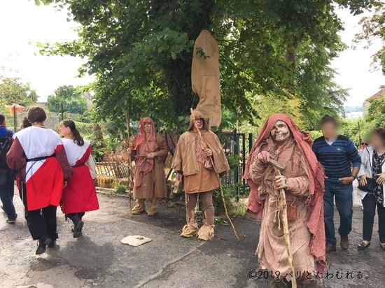 プロヴァン中世祭りの乞食仮装