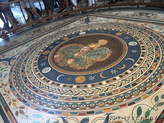 バチカン美術館の床